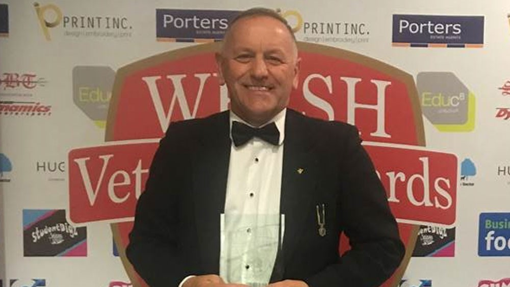 Managing director of AB Glass scoops veteran award