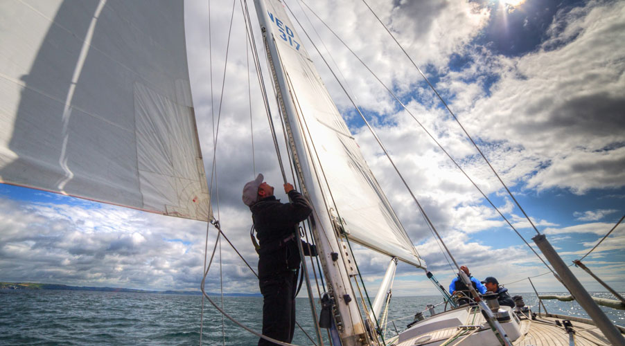 Man sail in Turn to starboard charity